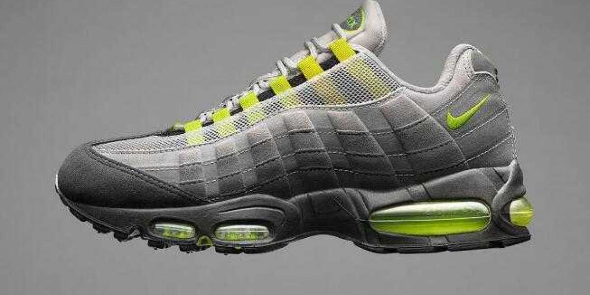 Hot Selling Nike Air Max 95 Neon is Returning this Month Later